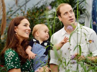 Księżna Kate spodziewa się trzeciego dziecka. Mali książęta Cambridge - co ich czeka?