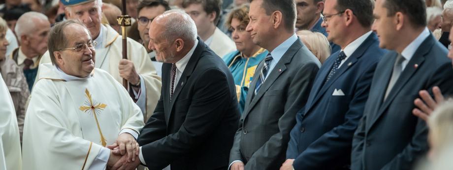 Antoni Macierewicz, Mariusz Błaszczak, Jan Józef Kasprzyk, Adam Kwiatkowski, Tadeusz Rydzyk, Ignacy Dec