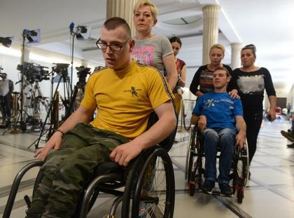 sejm niepełnosprawni protest