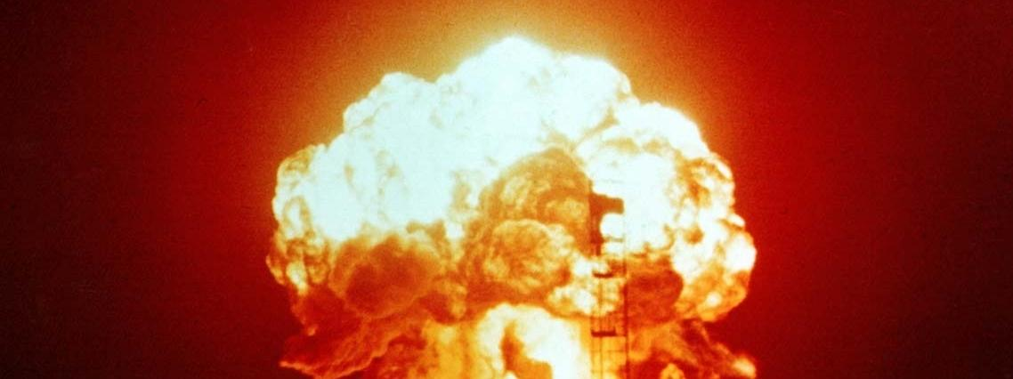 grzyb atomowy bomba atomowa