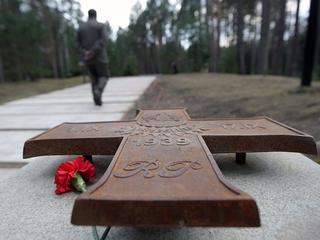 Rosja znów prowokuje. W Katyniu ustawiono tablice o radzieckich jeńcach 1920 r.