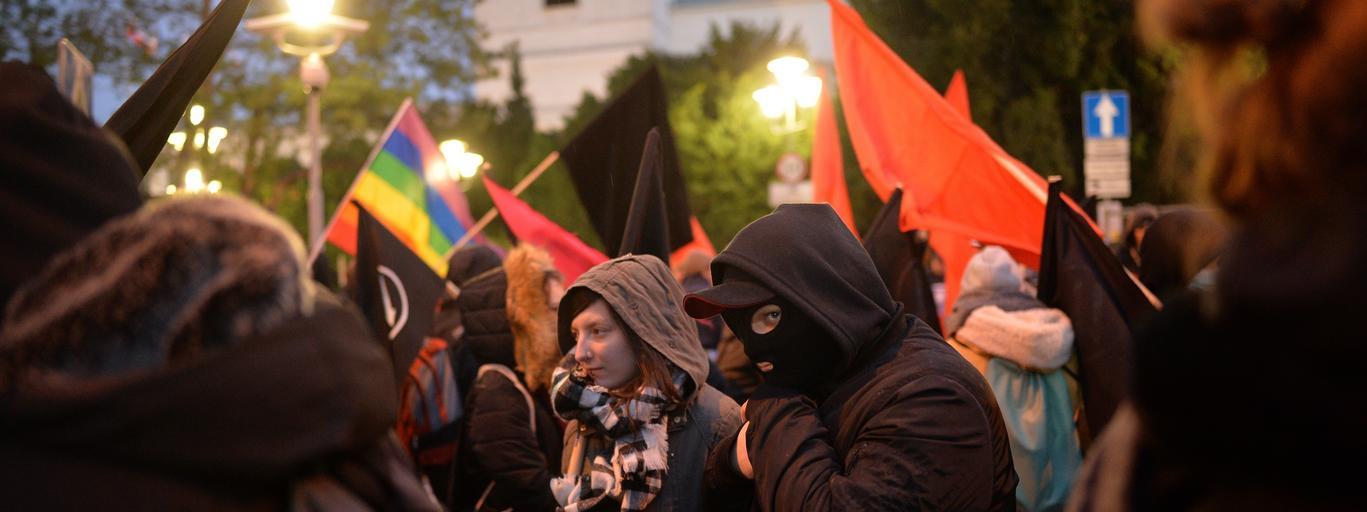 marsz antyfaszystowski przed Sejmem
