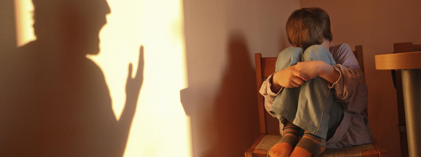 bicie dzieci przemoc domowa agresja dziecko