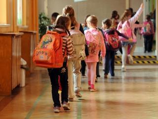 Ile waży plecak szkolny w europejskiej szkole