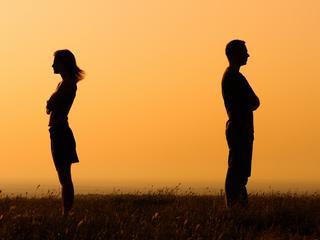 """""""Kochanie, uprzedzam uczciwie: zrobię skok w bok"""". Jak ma wyglądać szczerość w związku?"""