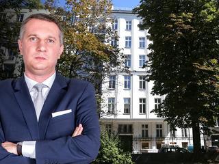 """Byłw klubie PiS, dziś pracuje dla spółki, której Jaki odbiera kamienice. """"Znam członków komisji"""""""