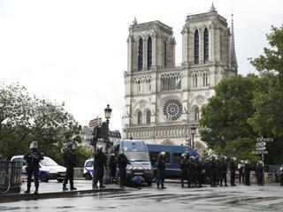 Atak w Paryżu. Zamknięto katedrę Notre Dame