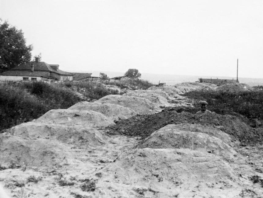 Masowy grób w okolicach Charkowa, 1933