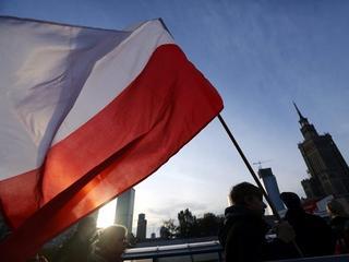 Umęczona polska flaga