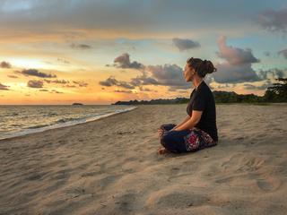 Joga, medytacje i hipnoza mogą pomóc alergikom
