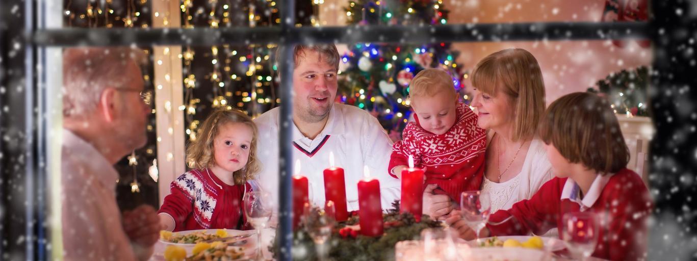 Znalezione obrazy dla zapytania christmas dinner at home