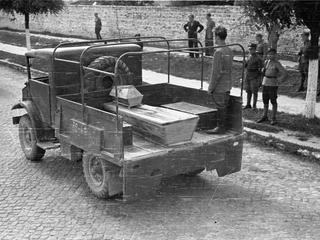 Polska tuż po wojnie. Czas śmierci, pogromów i strachu