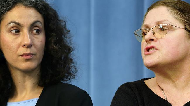 Szefowa polskiego oddziału Amnesty International Draginja Nadażdin i posłanka PiS Krystyna Pawłowicz