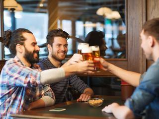 Mężczyźni muszą chodzić na piwo z kumplami