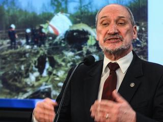 Smoleńsk, Macierewicz i absurdy ekspertów