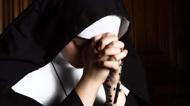 zakonnica zakon klasztor kościół