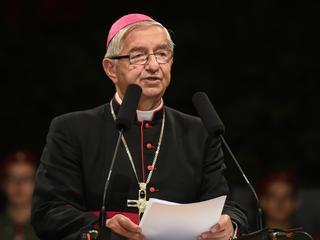"""""""Ręka podniesiona w Brukseli przeciw Polsce"""". Arcybiskup Głódź ostro o opozycji"""