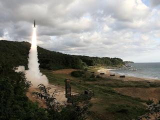 Korea Północna przeprowadziła udaną próbę rakietową. Pocisk przeleciał nad Japonią