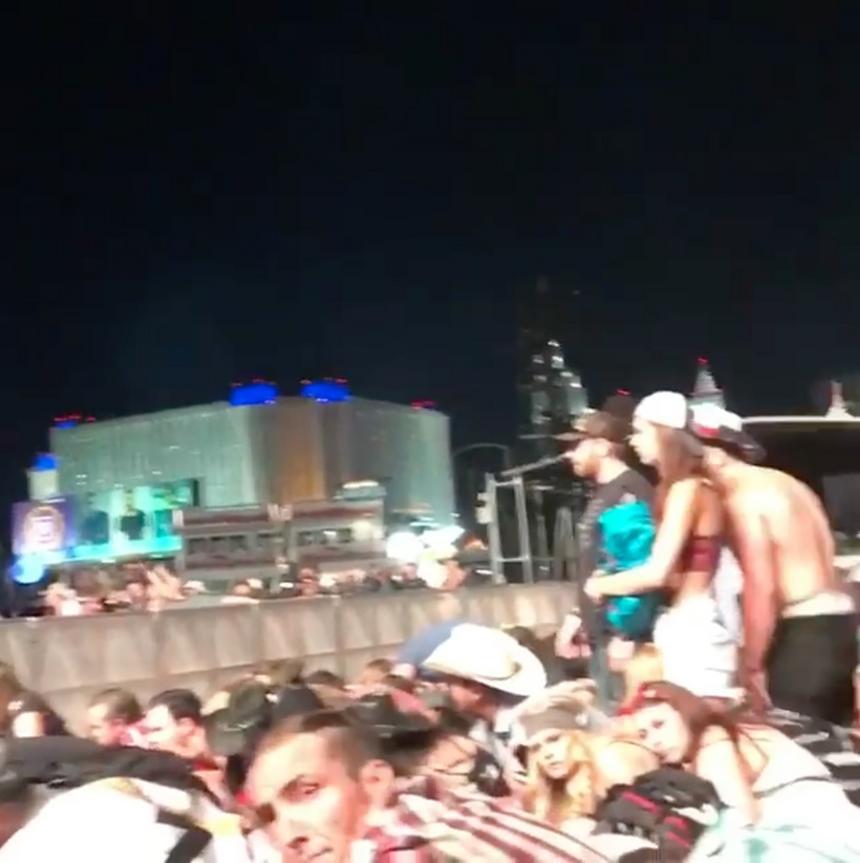 Kiedy Paddock zaczął strzelać do tłumu wśród uczestnikó? koncertu wybuchła panika