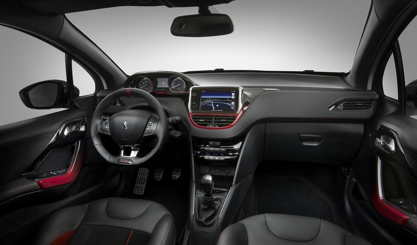 Wskaźniki w górze, a reszta na ekranie dotykowym - wnętrze Peugeota 208 GTI