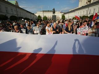 Polska polityka to mecz wielu graczy. Ale dziś liczy się tylko dwóch