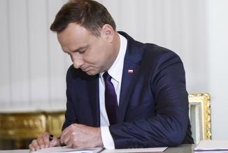 Prezydent nie zdążył z podpisem, czyli absurd pisowskiej legislacji