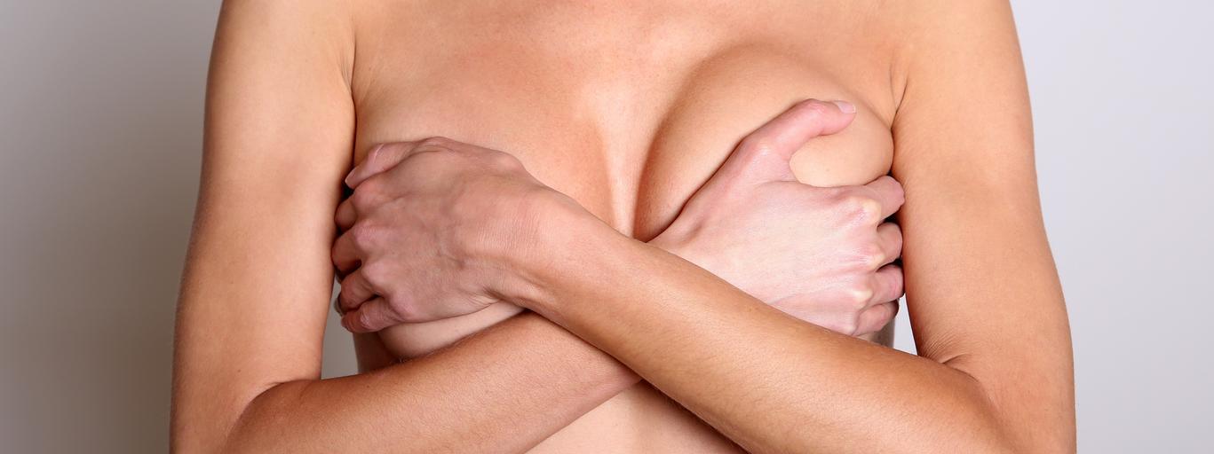 piersi powiększanie piersi biust kobieta