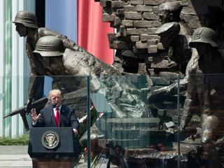Przemówienie Trumpa: Ponad 40 minut komplementów dla Polaków i opowieść o powstaniu