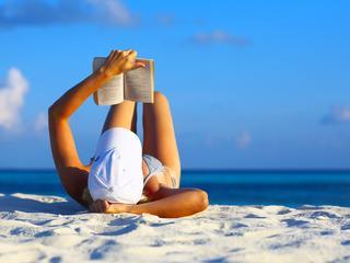 czytanie, plaża, książka