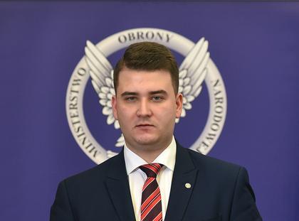 Konferencja prasowa z udzialem ministra obrony narodowej Antoniego Macierewicza (Bartlomiej Misiewic
