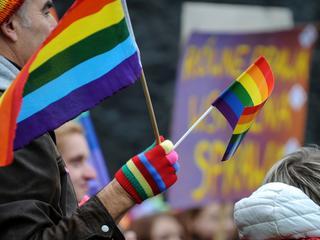 Prokuratura inwigiluje osoby LGBT. Chce wiedzieć, kto wziął ślub zagranicą