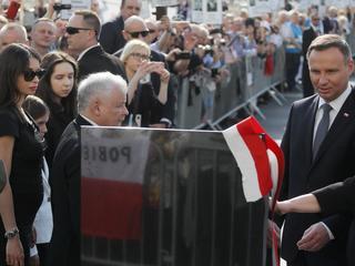 Pomnik ofiar katastrofy smoleńskiej zagłusza porażkę PiS