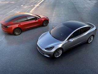 Produkcja masowego modelu auta elektrycznego idzie jak po grudzie
