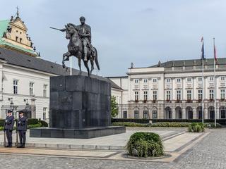 Problem PiS z pomnikami smoleńskimi. Nie powstaną na rocznicę katastrofy?