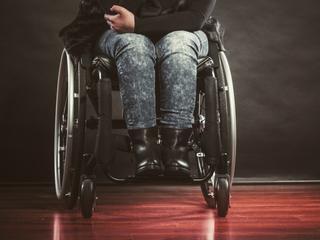 wózek inwalidzki niepełnosprawność niepełnosprawni