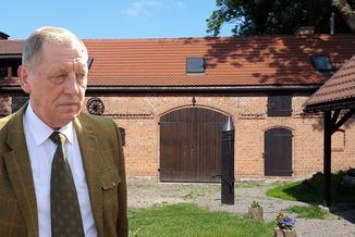 Historia stodoły powinna złamać karierę każdego polityka