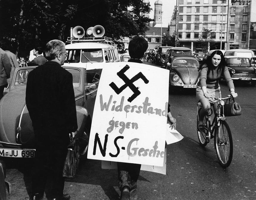 Protest przeciwko tzw. ustawom o stanie wyjątkowym. Według studentów dawały one de facto możliwość wprowadzenia w RFN rządów autorytarnych.
