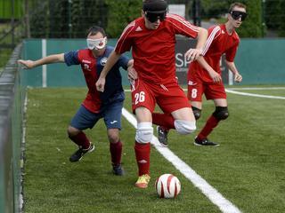 Nikt nie kocha futbolu tak, jak niewidomi piłkarze