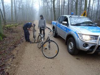 Nadgorliwi policjanci? Mandaty dla rowerzystów za jazdę po...ścieżce rowerowej
