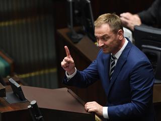 """Obniżki dla posłów, ale nie wszystkich. Nitras do Terleckiego: """"Wstyd!"""""""