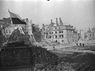 Odnaleziono dokumenty, które miały umożliwić hitlerowcom obrócenie Warszawy w gruzy