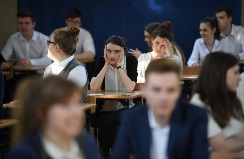 Matury 2016 egzamin maturalny nauka oświata edukacja szkoła uczniowie maturzyści