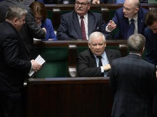 PiS wycofało się rakiem z nowelizacji ustawy o KRS. W co gra Kaczyński?