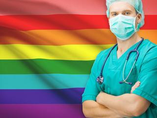 """""""Zboczeńców nie leczę"""". Tak polscy lekarze dyskryminują pacjentów LGBT"""