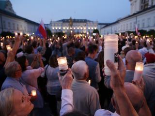 To jednak jest protest całego narodu. Tysiące Polaków w ponad 30 miastach broniły niezależności sądów