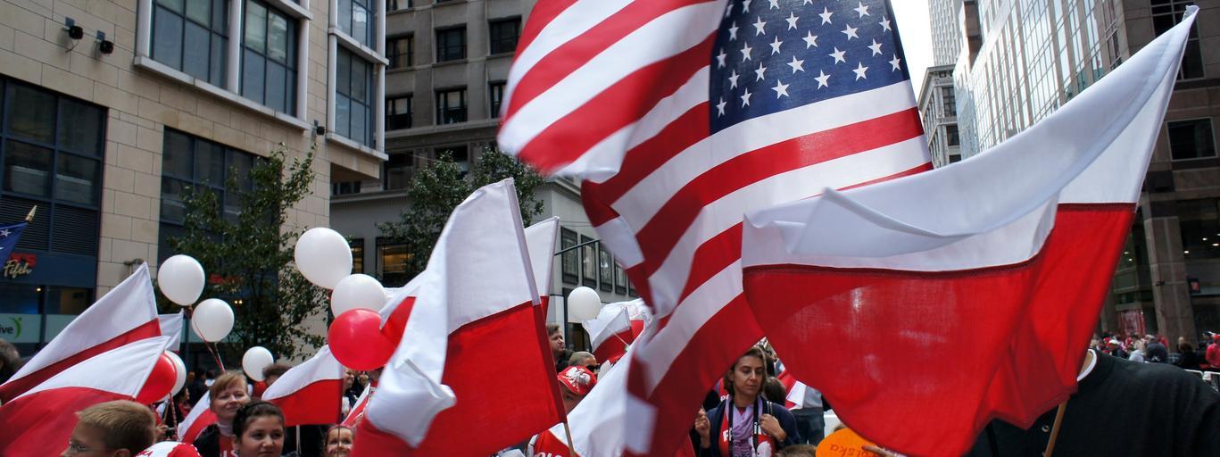 Manhattan Nowy Jork Parada Pulaskiego Polacy w Ameryce Polacy w USA Polacy za granica Polonia USA Stany Zjednoczone New York Flaga Mlodziez Ameryka Mloda Polonia Emigracja