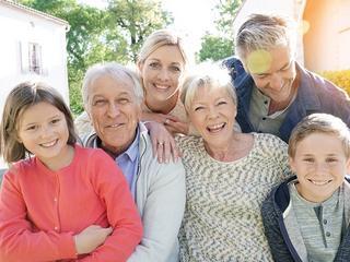 Czy Polacy boją się starości i oszczędzają na emerytury?