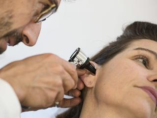 Przełomowe operacje przywrócą słuch