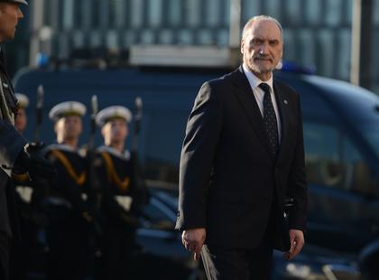 Wotum nieufności wobec ministra obrony narodowej?