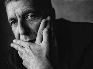 Śpiewał o wolności, gdy my o niej marzyliśmy. Jak Leonard Cohen stał się idolem Polaków?